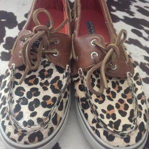 Women's Sperry leopard print calf fur shoes size 7
